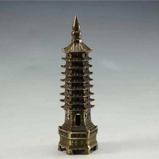 China Pagode Turm mit 9 Stockwerken aus antikem Messing