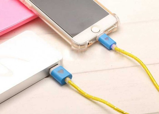 Micro USB Ladekabel, Datenkabel, Sync-Kabel mit LED Lichtindikator für iPhone / Android